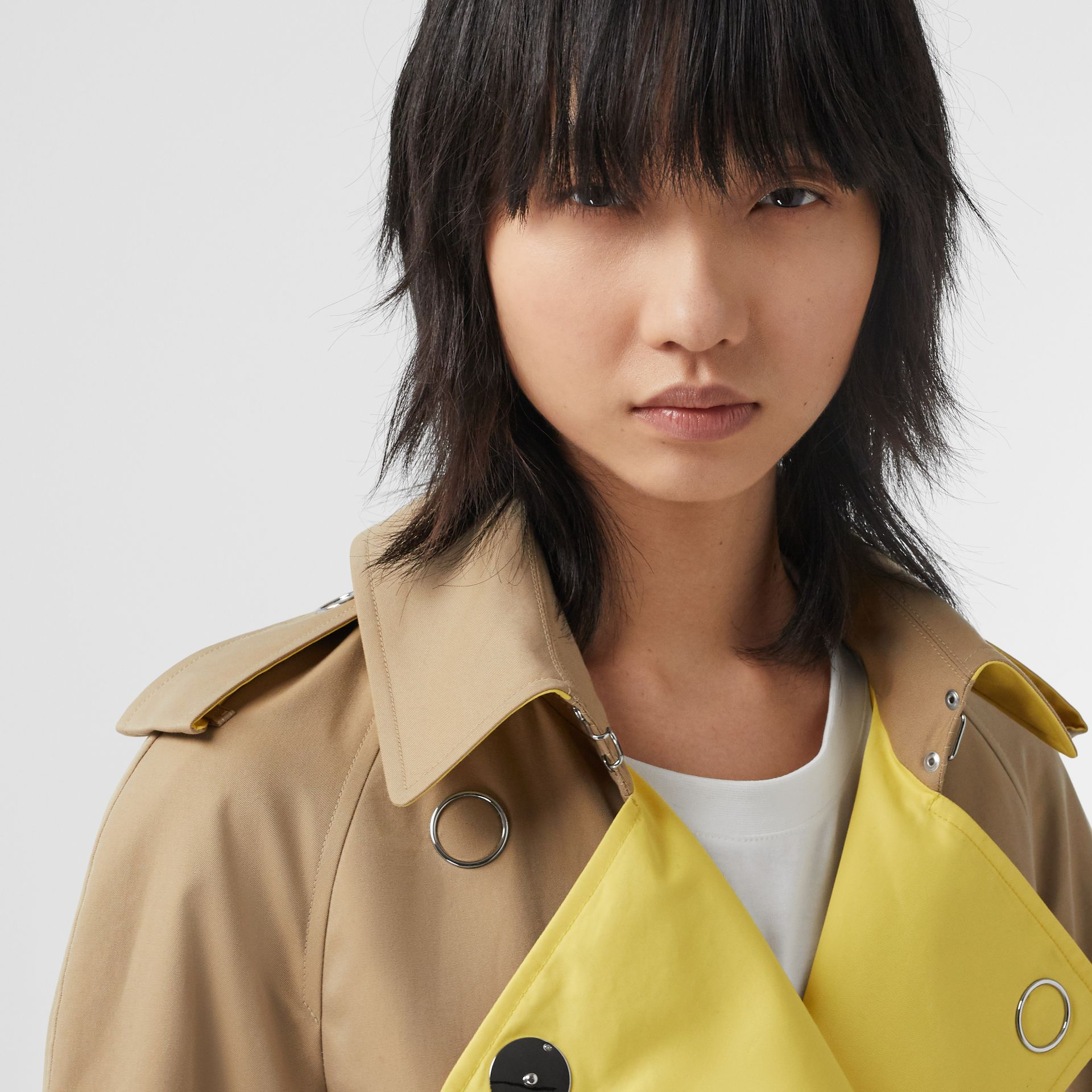 Colour Block Cotton Gabardine Trench Coat in Honey - Women | Burberry Canada - gallery image 1