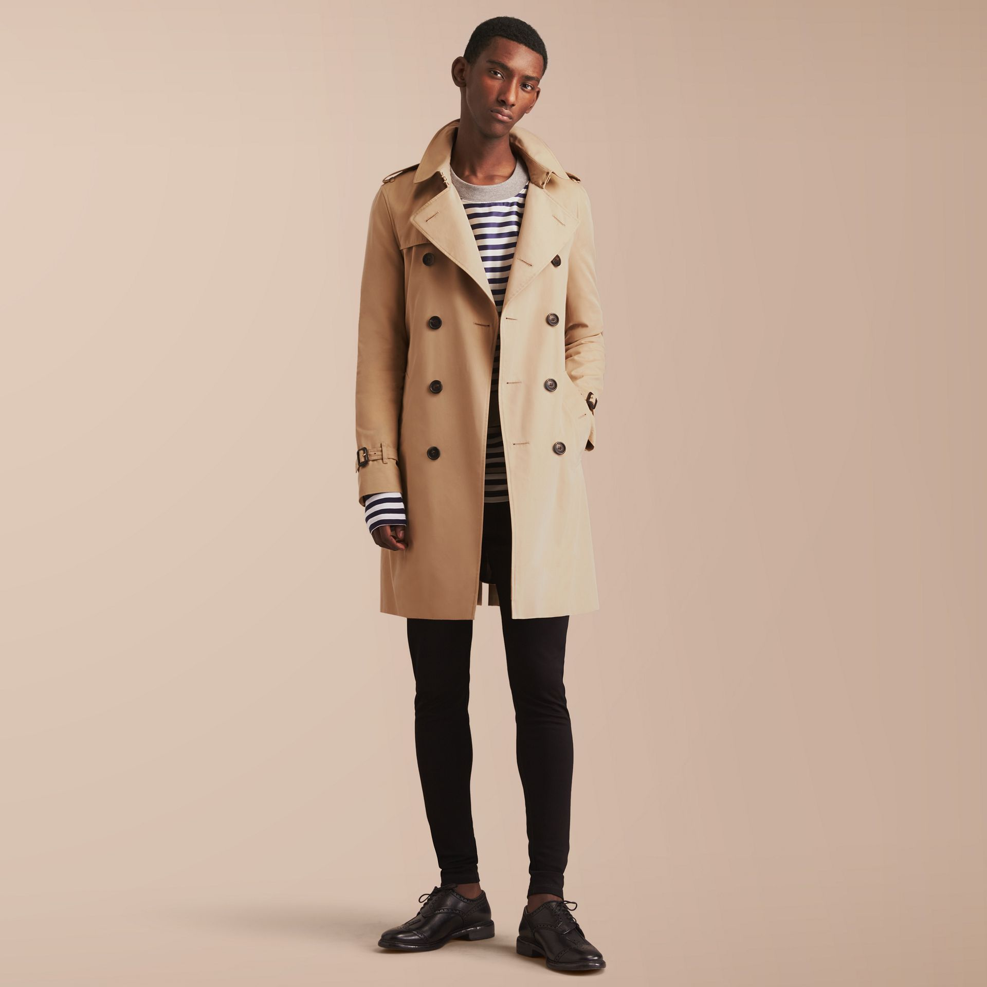 The Sandringham – Long Heritage Trench Coat in Honey - Men | Burberry - gallery image 1