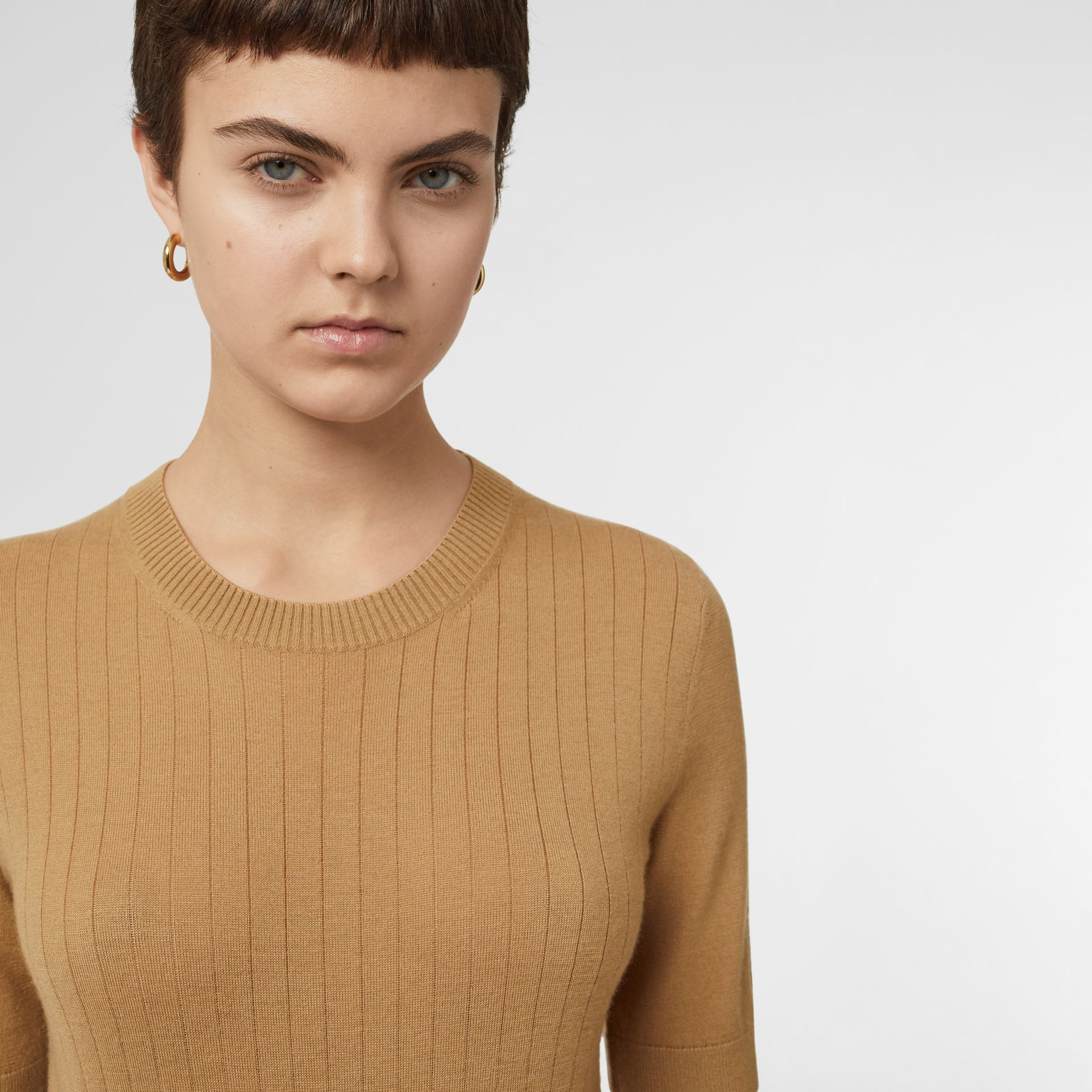 Short-sleeve Rib Knit Cashmere Sweater in Camel - Women | Burberry - gallery image 1