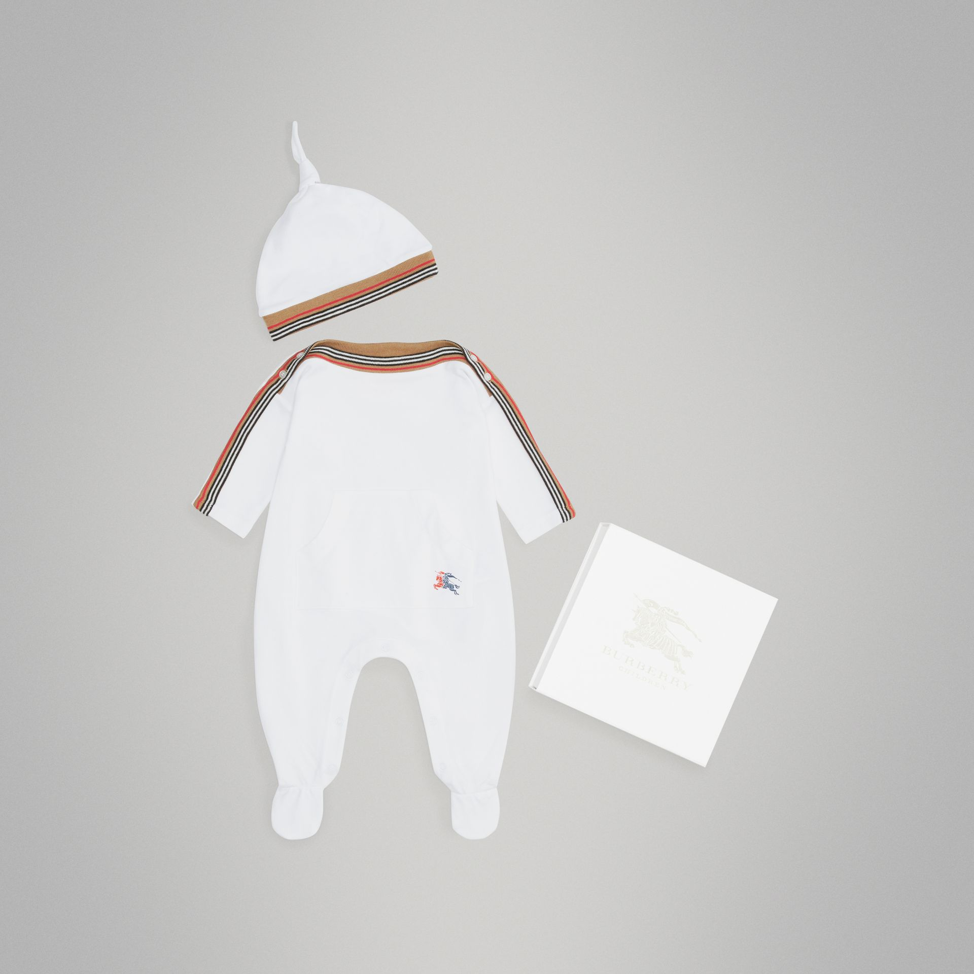 Icon Stripe Cotton Piqué Two-piece Baby Gift Set in White - Children | Burberry Hong Kong - gallery image 0