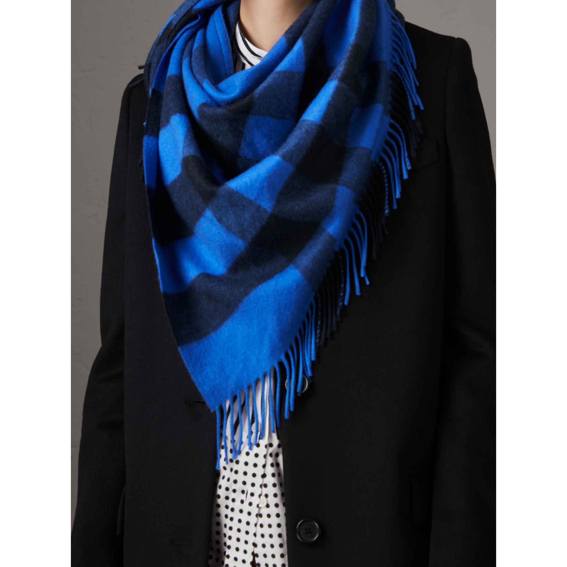 The Burberry Bandana in Check Cashmere in Bright Blue | Burberry - gallery image 5