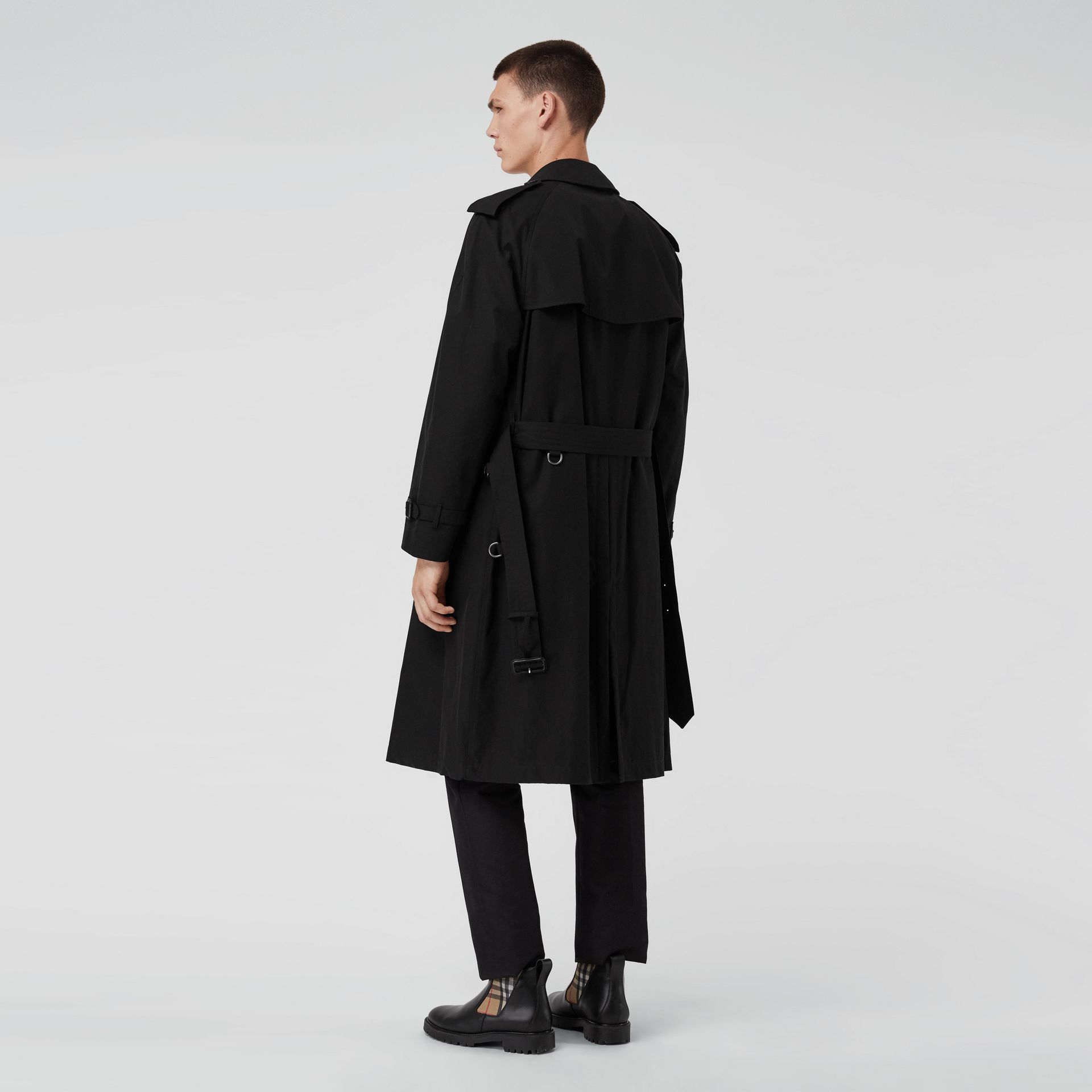 The Westminster Heritage Trench Coat in Black - Men | Burberry Singapore - gallery image 2