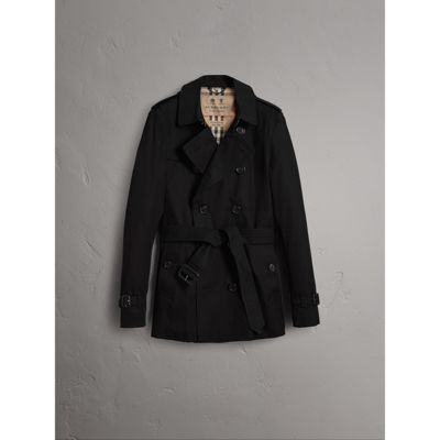 The Sandringham – Short Heritage Trench Coat in Black - Men | Burberry