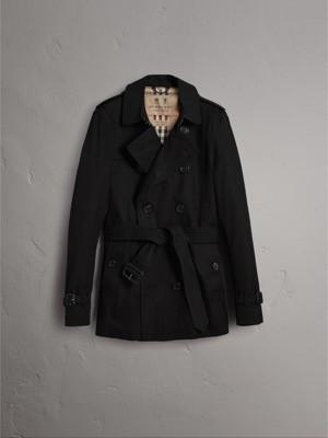 The Sandringham – Short Heritage Trench Coat in Black - Men | Burberry