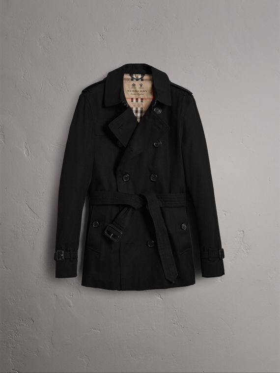 The Sandringham – Short Heritage Trench Coat in Black - Men | Burberry Singapore - cell image 3