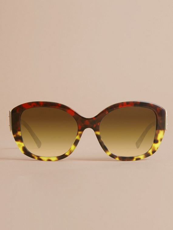 Buckle Detail Oversize Square Frame Sunglasses in Amber Yellow - Women | Burberry United Kingdom - cell image 2