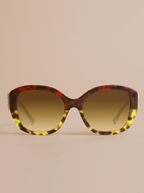 Buckle Detail Oversize Square Frame Sunglasses in Amber Yellow - Women | Burberry - cell image 2