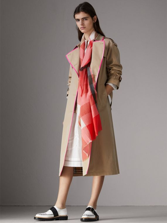 The Lightweight Check Cashmere Scarf in Bright Coral | Burberry Singapore - cell image 2
