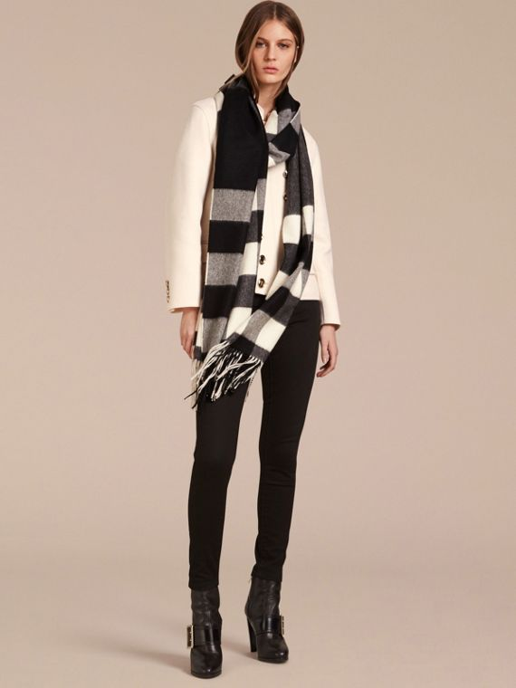 Oversize Check Cashmere Scarf in Black | Burberry - cell image 2