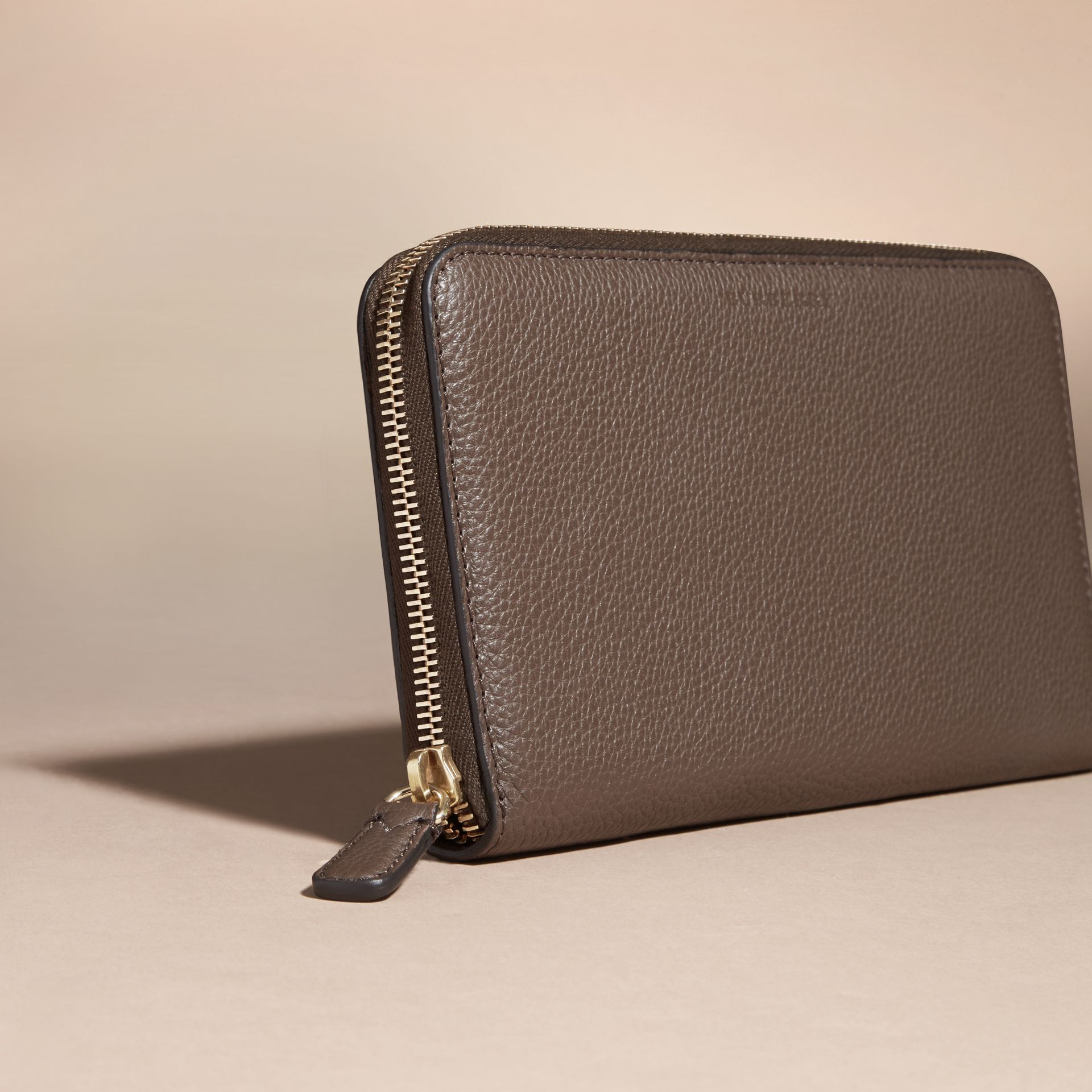 Deep taupe brown Grainy Leather Ziparound Wallet Deep Taupe Brown - gallery image 3