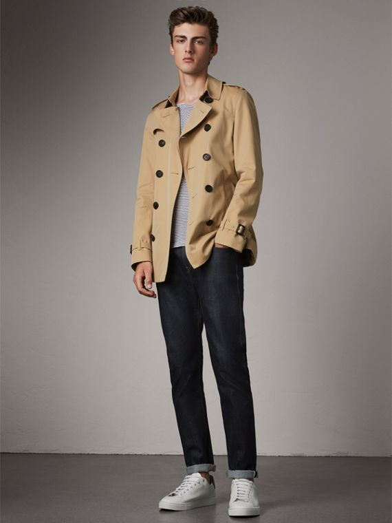 The Chelsea – Short Heritage Trench Coat in Honey
