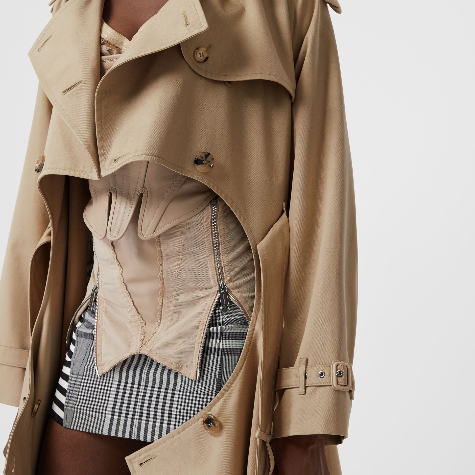 Cotton Gabardine Step-through Trench Coat in Soft Fawn - Women | Burberry Australia - gallery image 4
