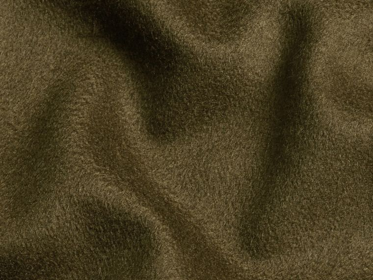 Olive green The Classic Cashmere Scarf Olive Green - cell image 4