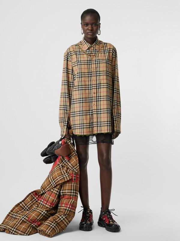 Bluse aus Baumwollflanell mit Vintage Check-Muster und Kettendetail (Vintage-beige) - Damen | Burberry - cell image 3