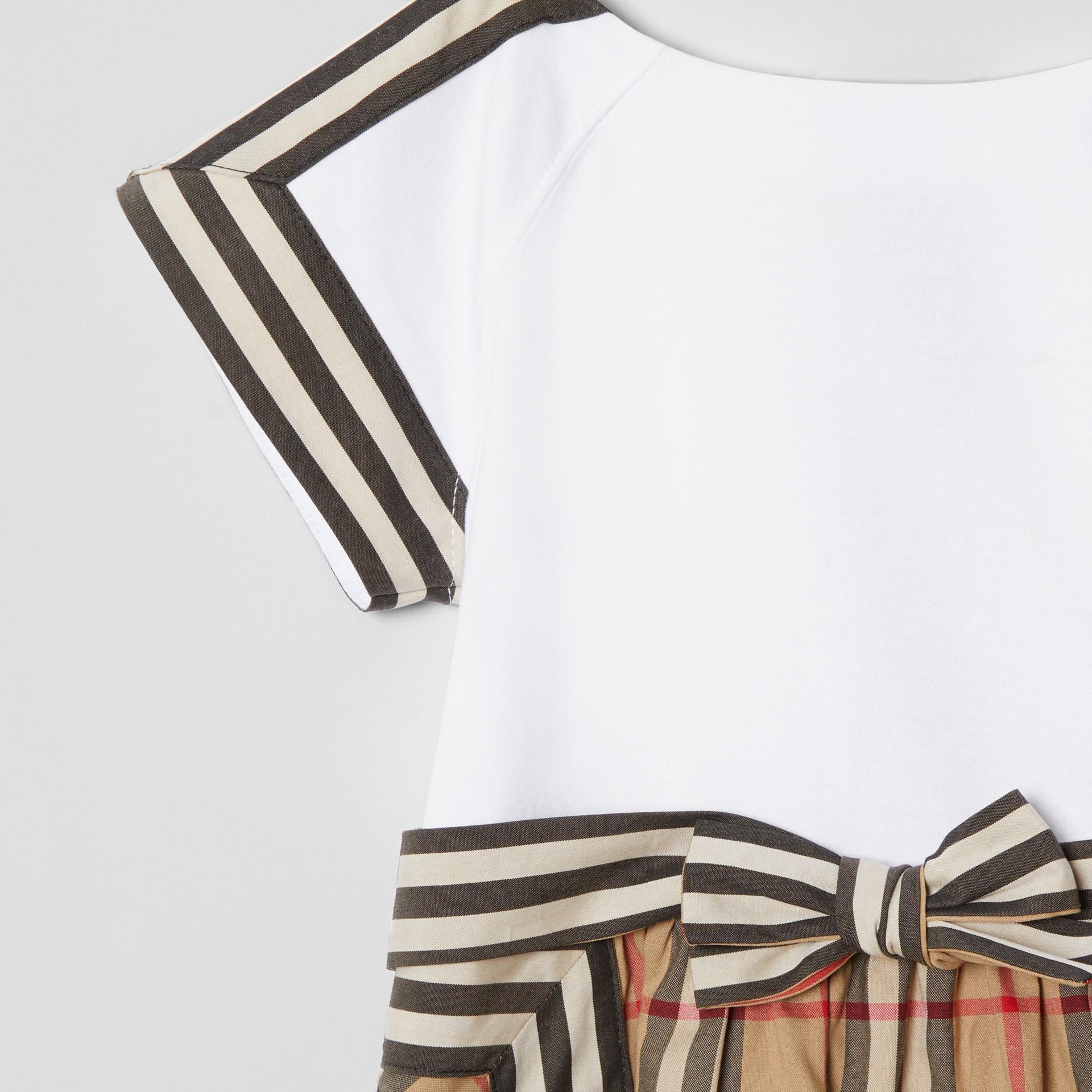Vintage Check Detail Cotton Dress in Archive Beige - Children | Burberry United Kingdom - gallery image 4