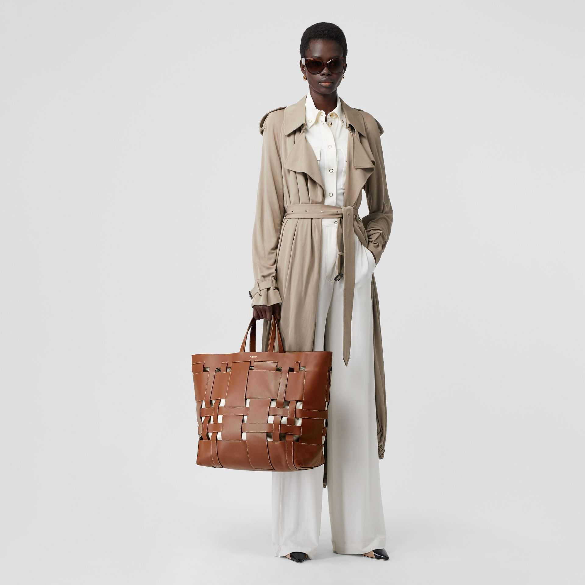 Large Leather Foster Tote in Malt Brown - Women | Burberry - gallery image 5