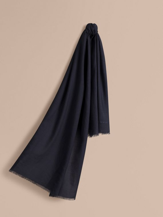 The Lightweight Cashmere Scarf in Navy