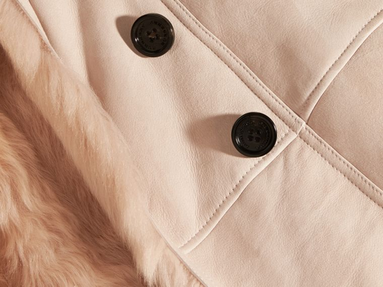 Rose craie Trench-coat en shearling Rose Craie - cell image 1