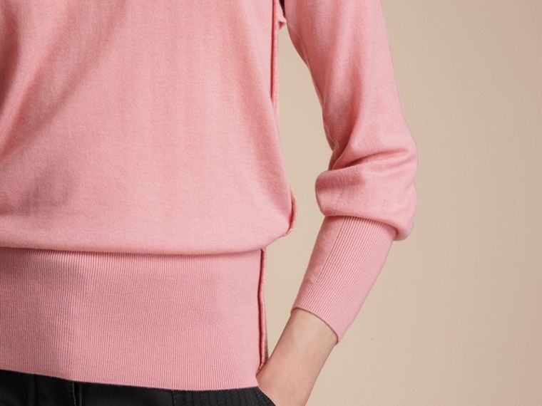Open-knit Detail Cashmere Crew Neck Sweater in Apricot Pink - Women | Burberry Canada - cell image 4