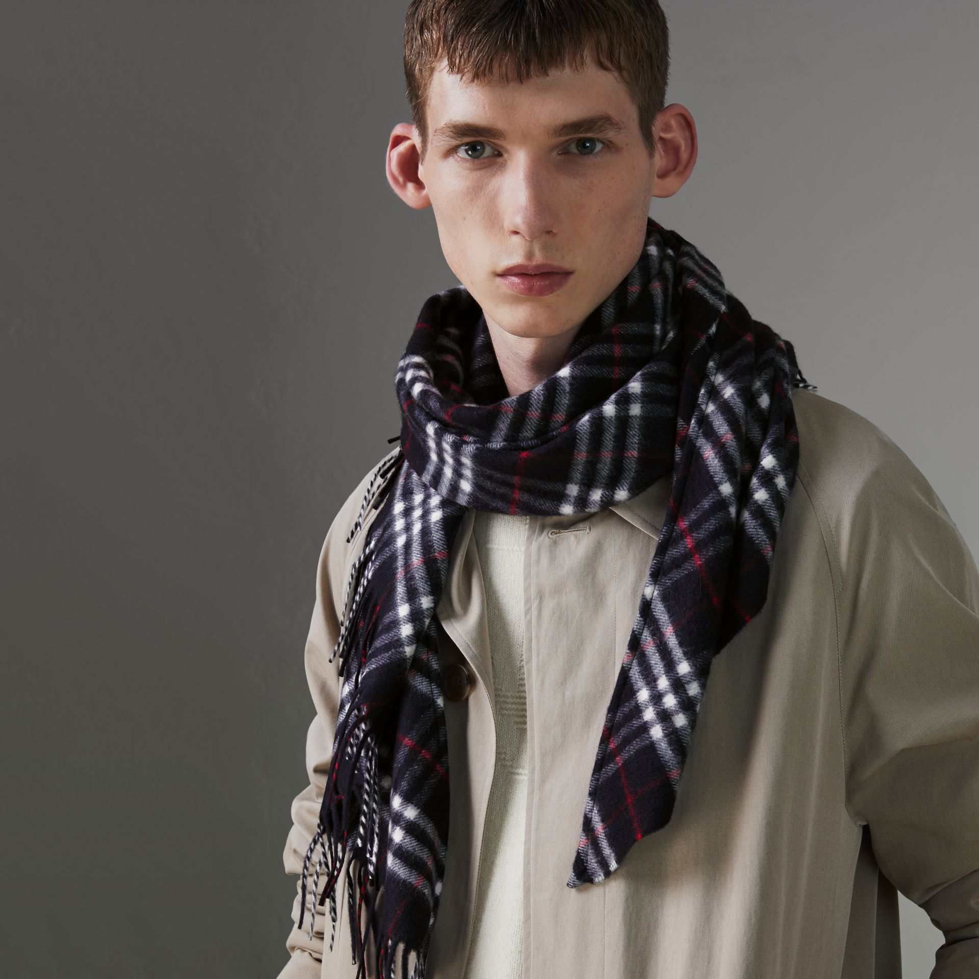 The Burberry Bandana in Check Cashmere in Navy | Burberry United States - gallery image 3