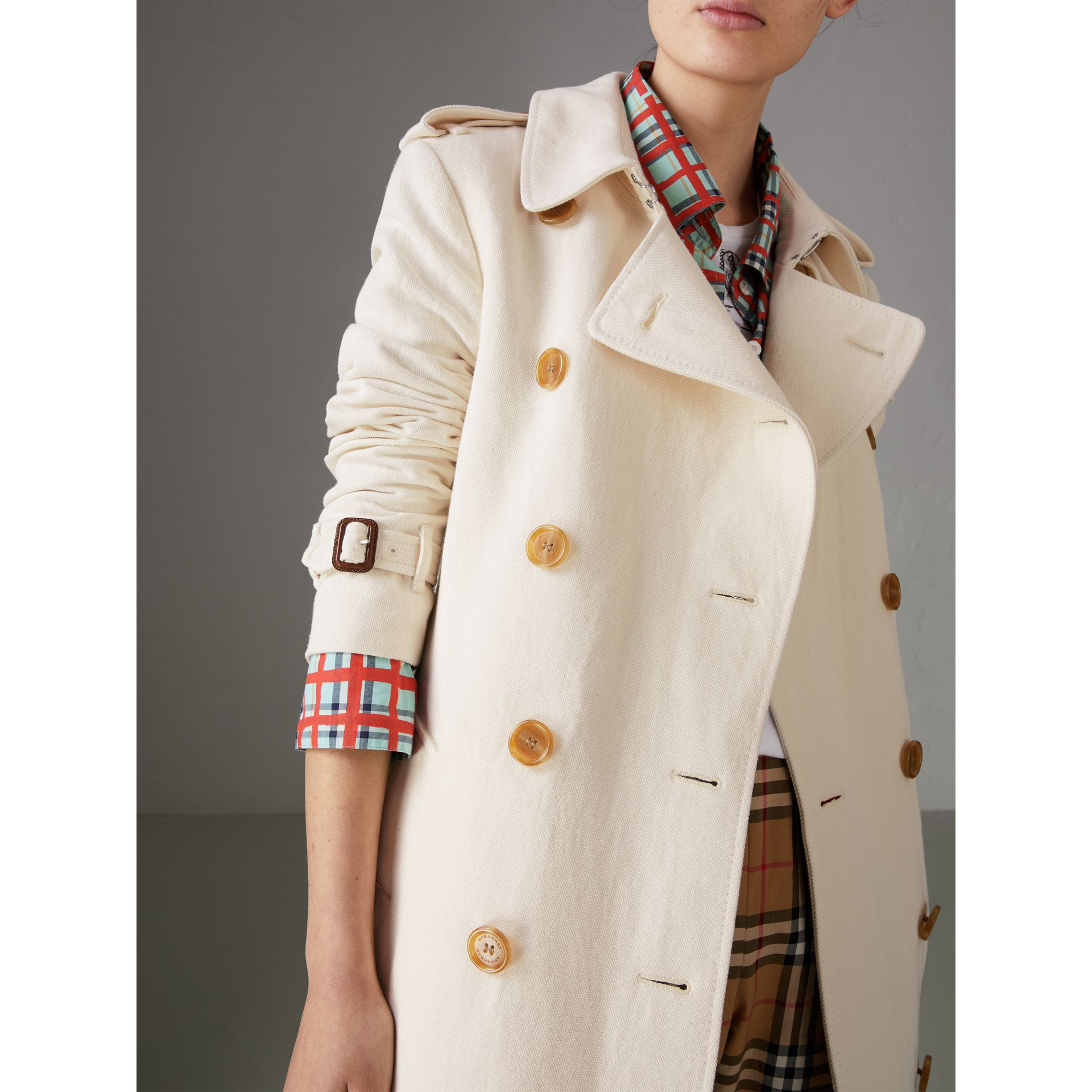 Cotton Linen Canvas Trench Coat in Off White - Women | Burberry - gallery image 4
