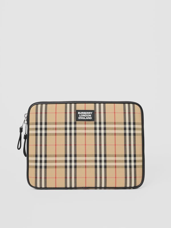 Vintage Check Digital Case in Archive Beige - Men | Burberry Hong Kong S.A.R - cell image 2