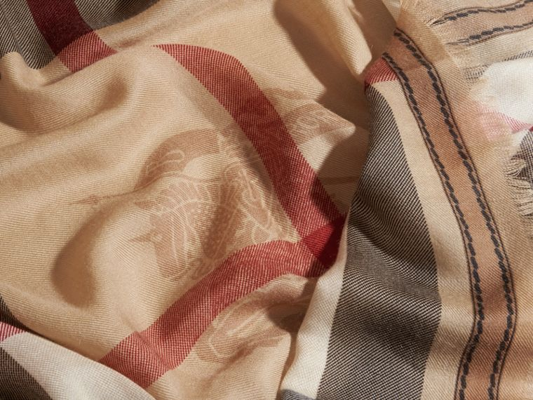 Contrast Border Horseferry Check Cashmere Scarf in Camel - cell image 1