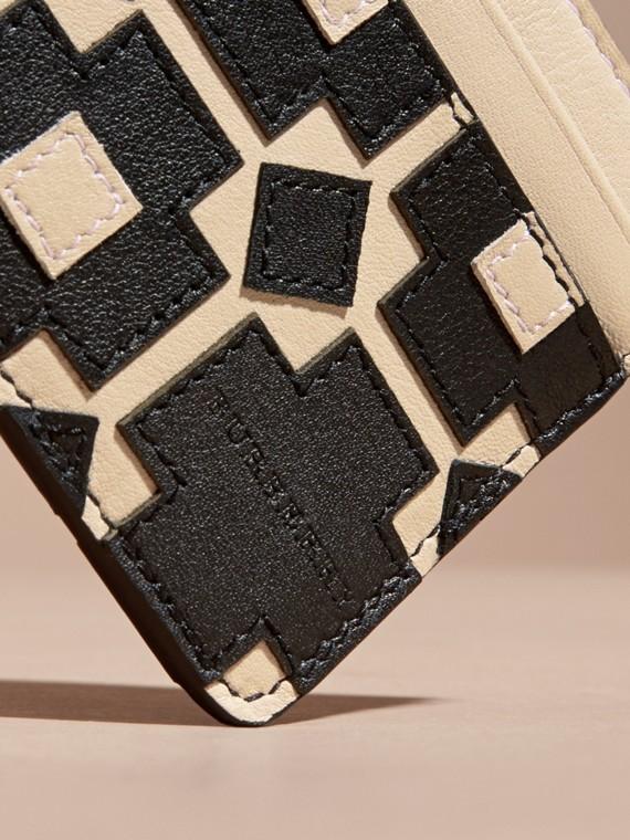 Stone Geometric Appliqué Leather Card Case - cell image 2