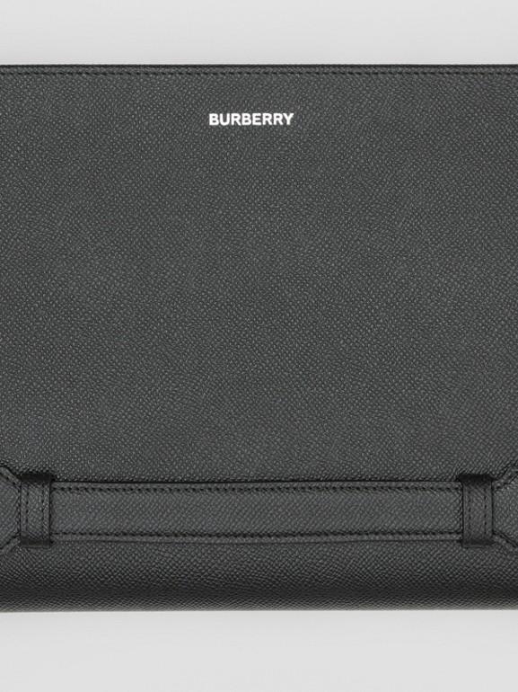 그레이니 레더 지퍼라운드 파우치 (블랙) | Burberry - cell image 1
