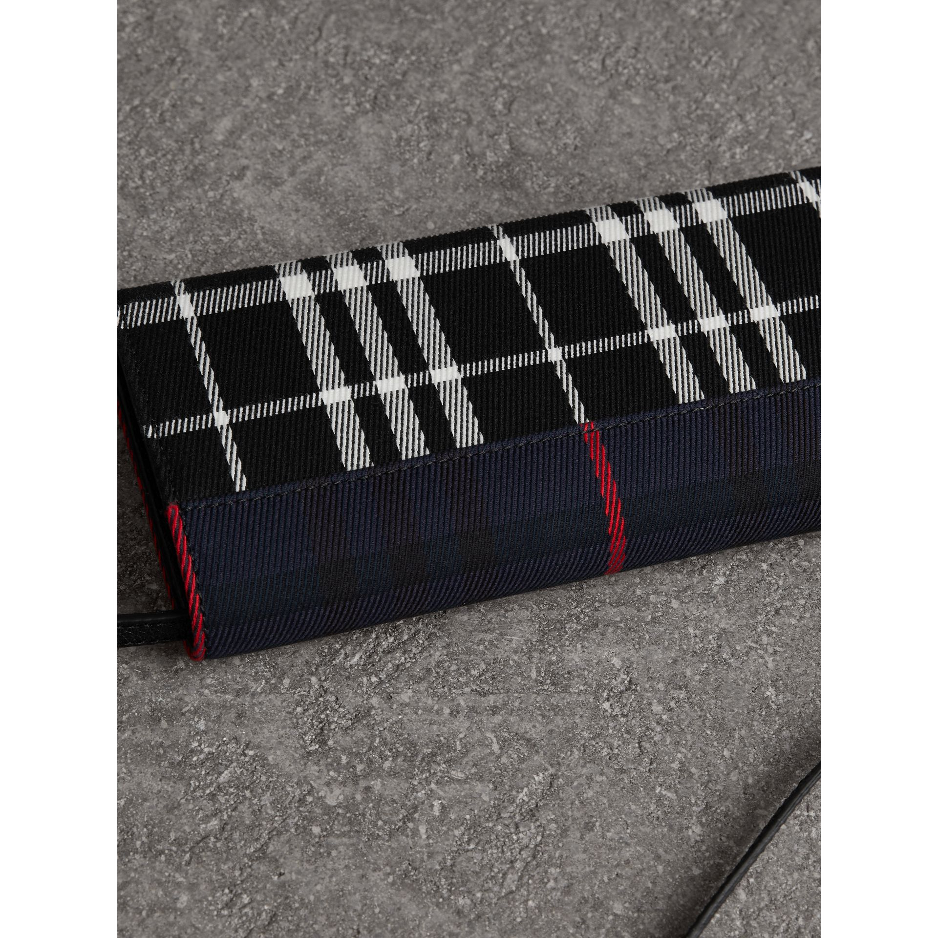 Tartan Cotton and Leather Wallet with Chain in Deep Navy/black - Women | Burberry United Kingdom - gallery image 4
