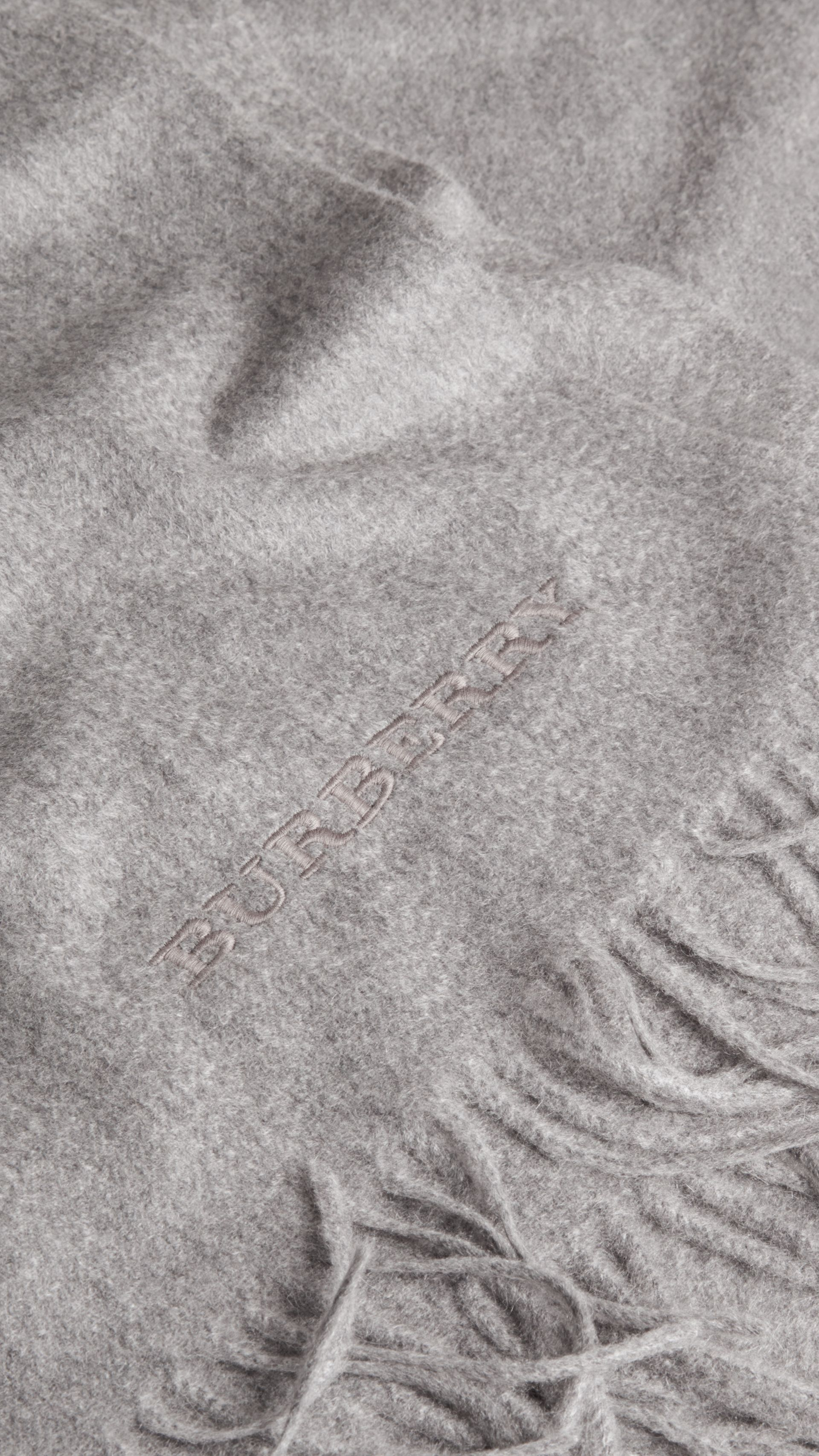 Cashmere Blanket in Mid Grey - Women | Burberry - gallery image 3
