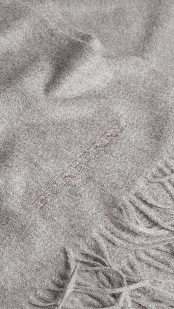 Cashmere Blanket in Mid Grey - Women | Burberry - cell image 3