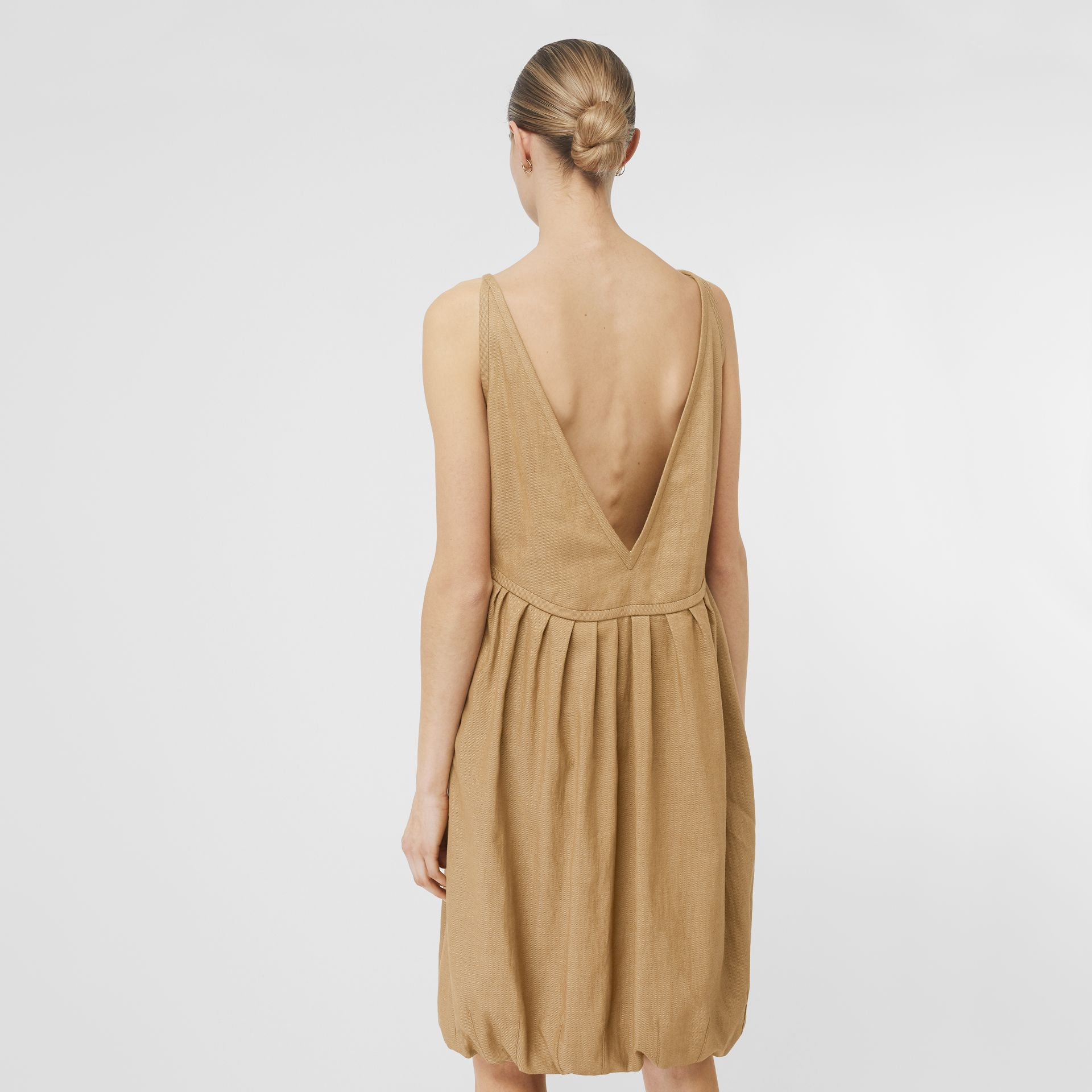Linen Blend Bubble Hem Dress in Honey - Women | Burberry Singapore - gallery image 2
