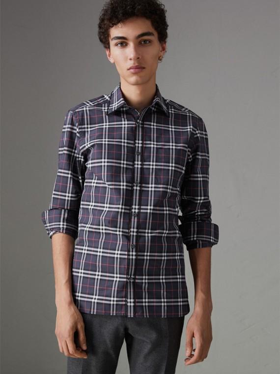 Рубашка в клетку с вышивкой (Темно-синий)
