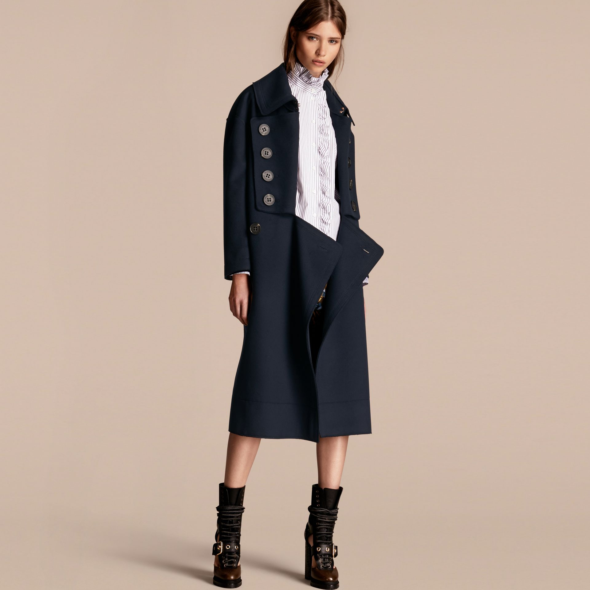 Marine Manteau oversize en laine de coupe longue - photo de la galerie 1
