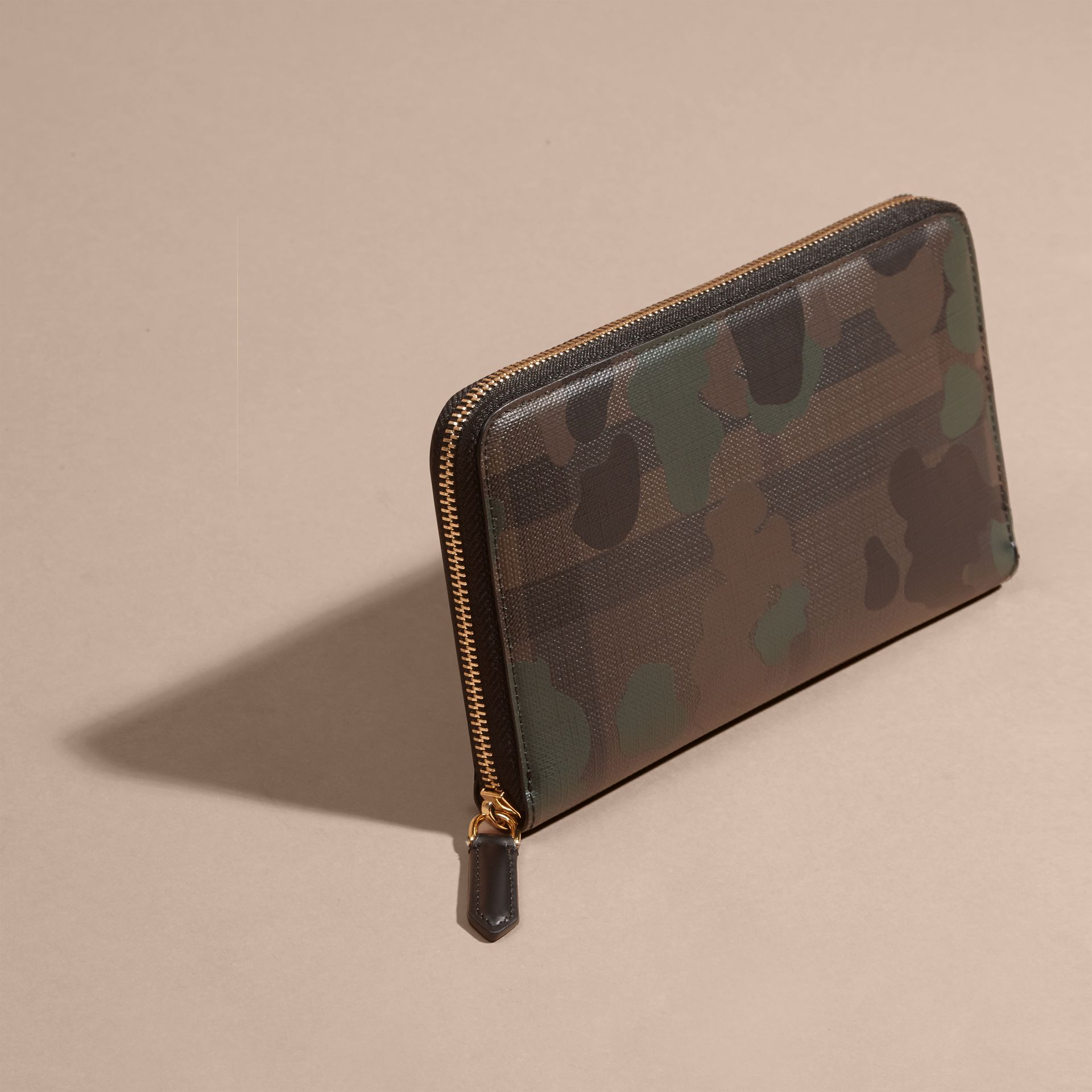Chocolate/camouflage Camouflage and London Check Ziparound Wallet - gallery image 3