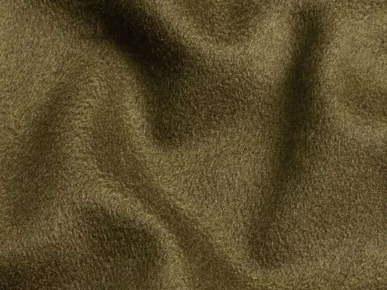 The Classic Cashmere Scarf in Olive Green - cell image 4