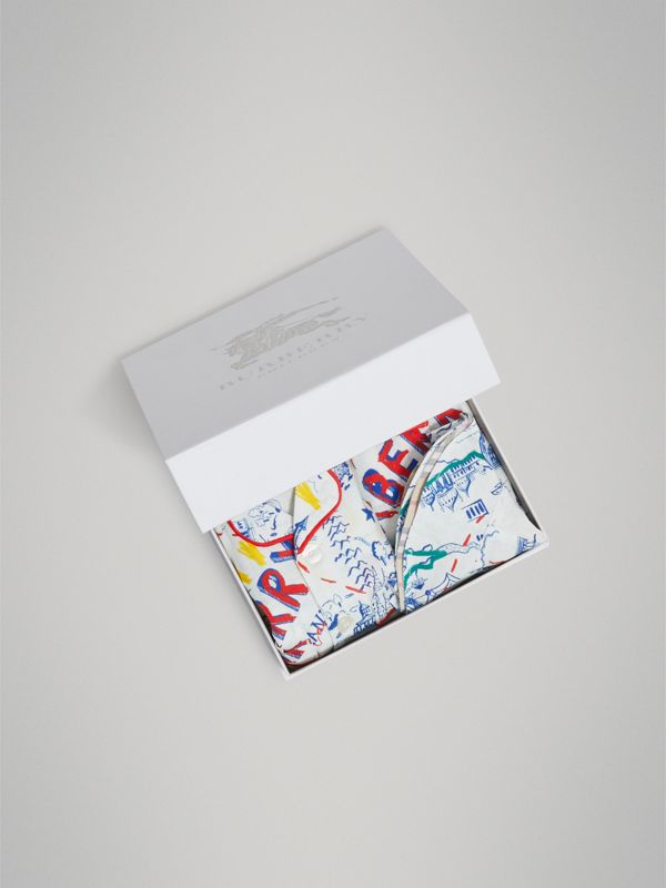 Adventure Print Linen Three-piece Baby Gift Set in Sand | Burberry United Kingdom - cell image 3
