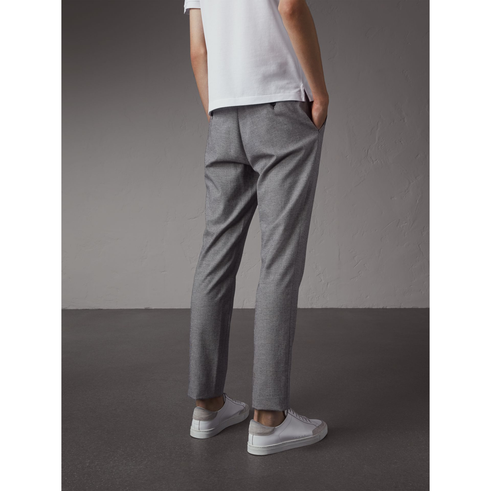 Micro Houndstooth Cotton Wool Blend Drawstring Trousers in Charcoal - Men | Burberry Australia - gallery image 3