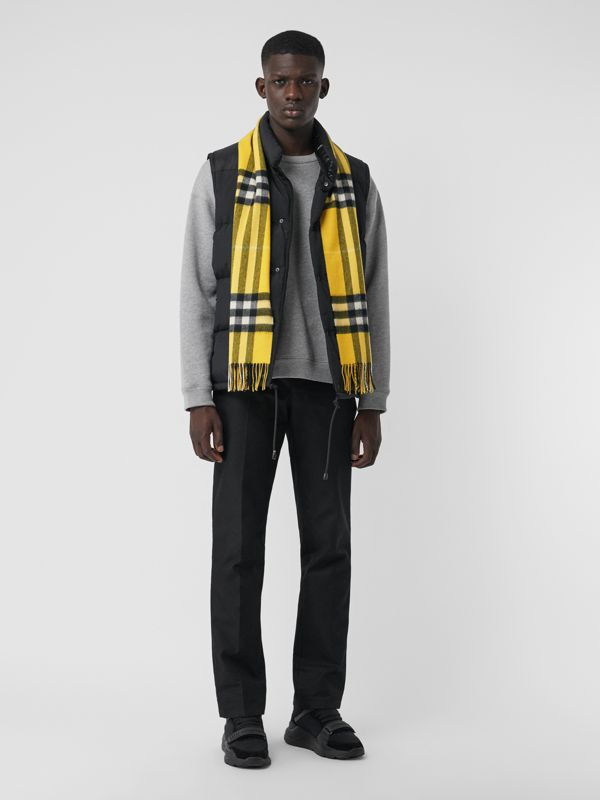 The Classic Check Cashmere Scarf in Gorse Yellow | Burberry Hong Kong - cell image 3
