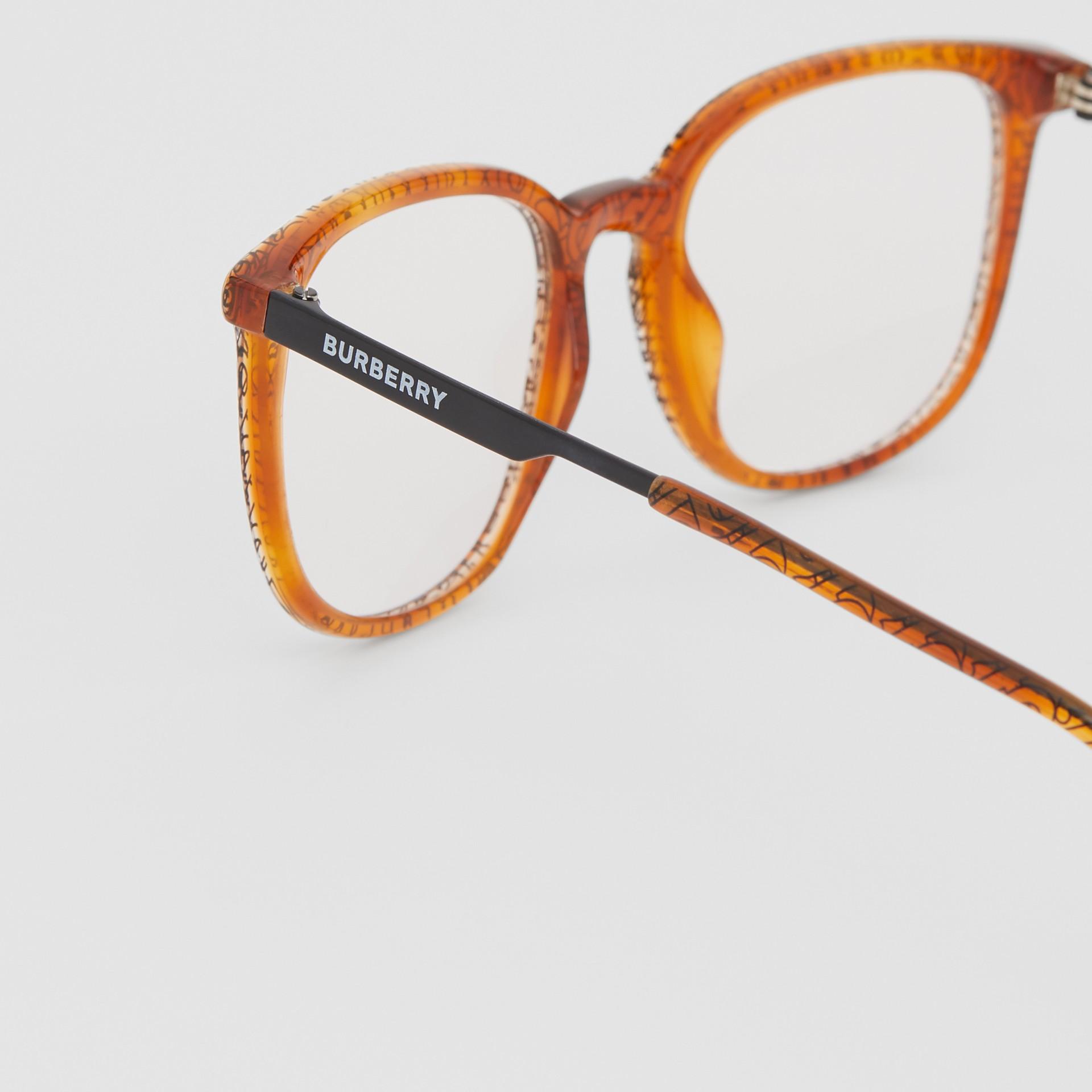 Monture carrée pour lunettes de vue Monogram (Ambre Écaille  Tortue) | Burberry Canada - photo de la galerie 1