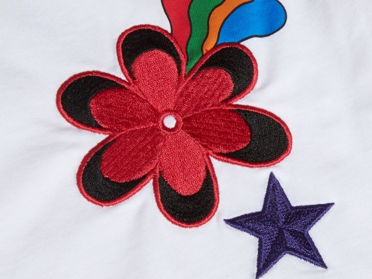 White Embroidered Flower Burst Graphic Cotton T-Shirt - cell image 1