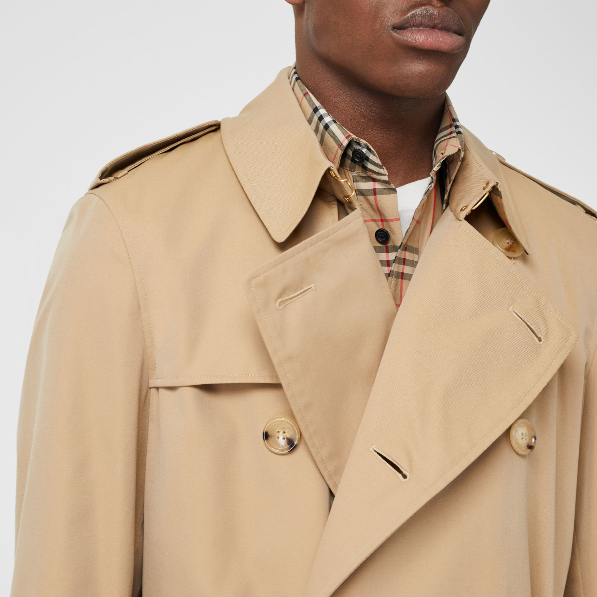 Trench Heritage The Chelsea (Miel) - Homme | Burberry Canada - photo de la galerie 1
