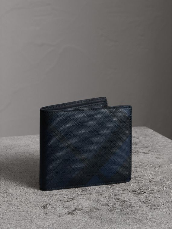 London Check International Bifold Coin Wallet in Navy/black