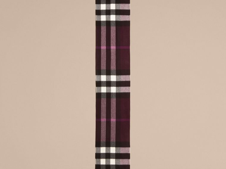 The Large Classic Cashmere Scarf in Check Aubergine - cell image 4