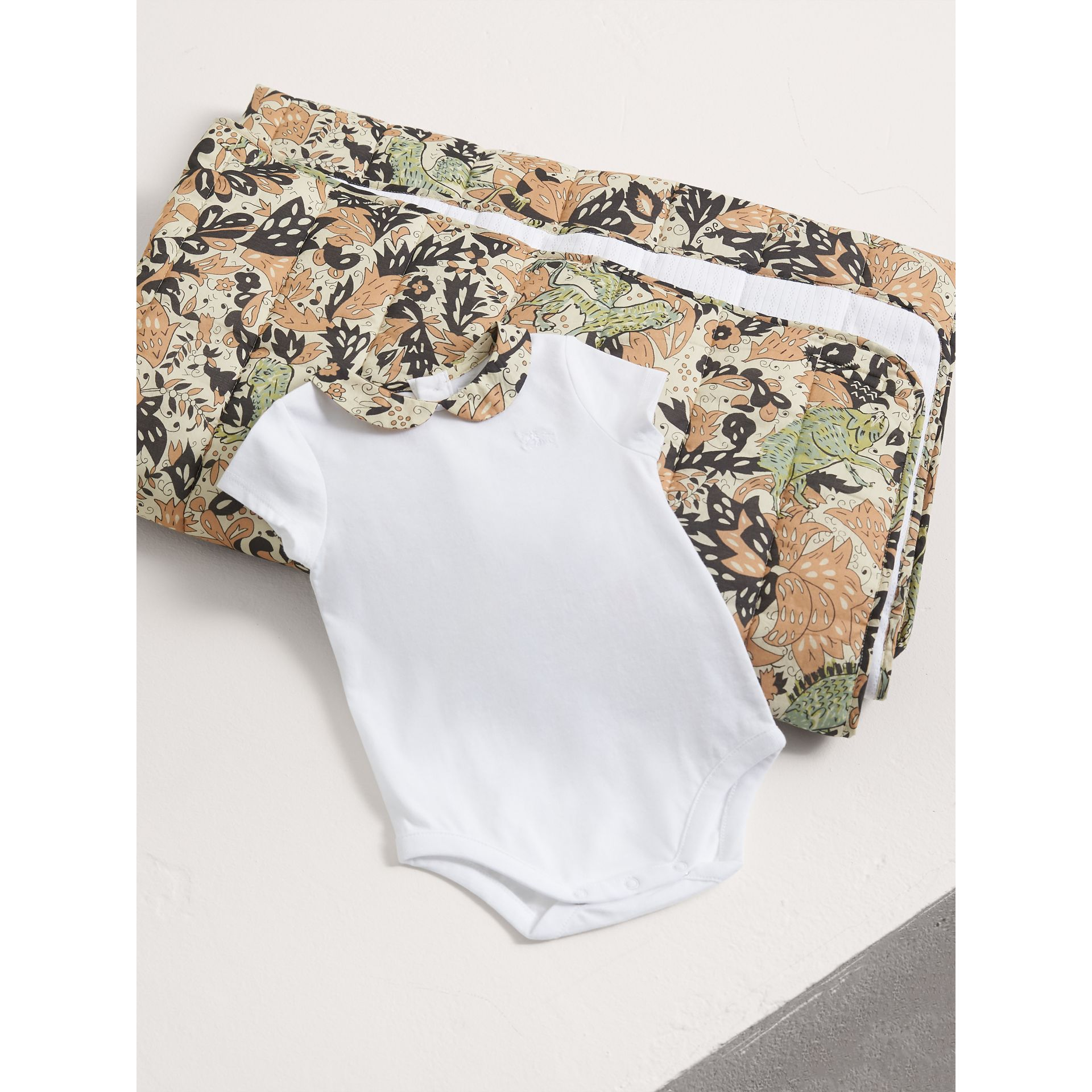 Beasts Print Cotton Two-piece Baby Gift Set in White | Burberry - gallery image 1
