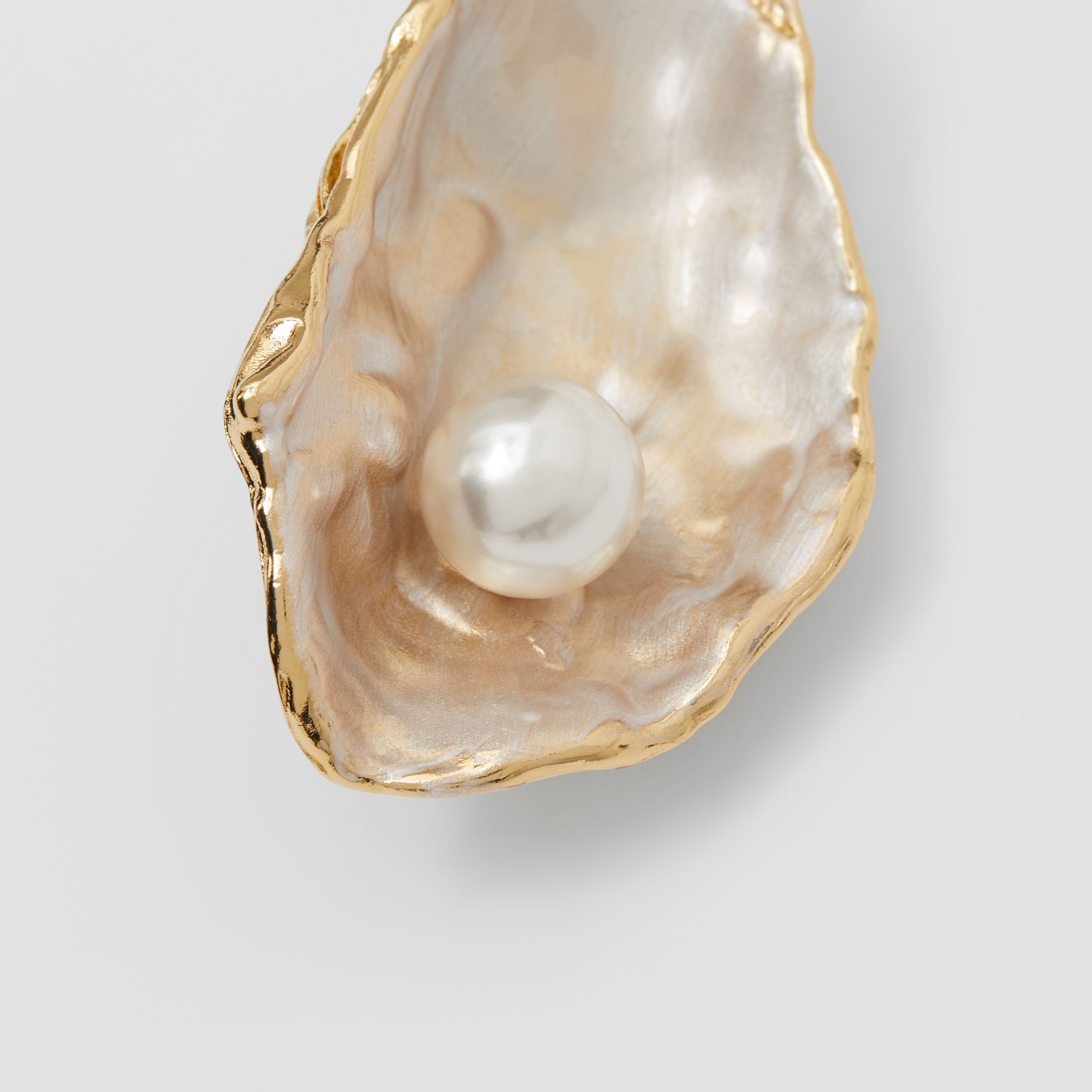 Resin Pearl Detail Gold-plated Oyster Brooch in Light Gold/pearl - Women | Burberry - 2