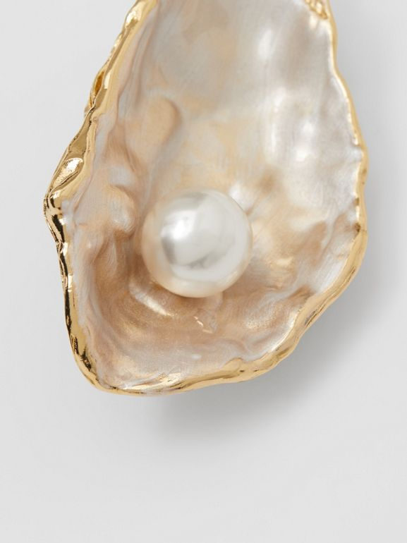 Resin Pearl Detail Gold-plated Oyster Brooch in Light Gold/pearl - Women | Burberry - cell image 1