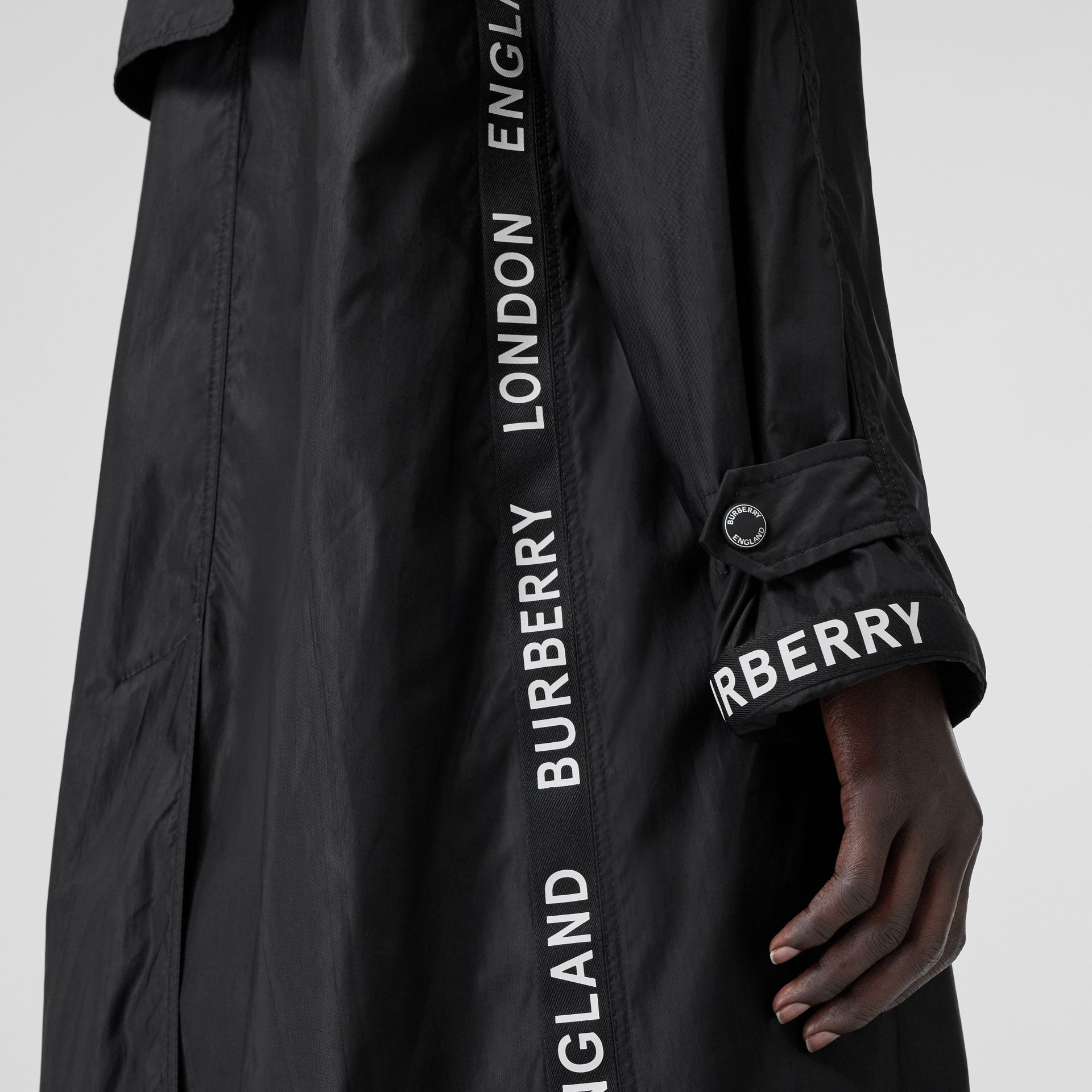 Logo Detail ECONYL® Car Coat in Black - Women | Burberry United Kingdom - gallery image 4