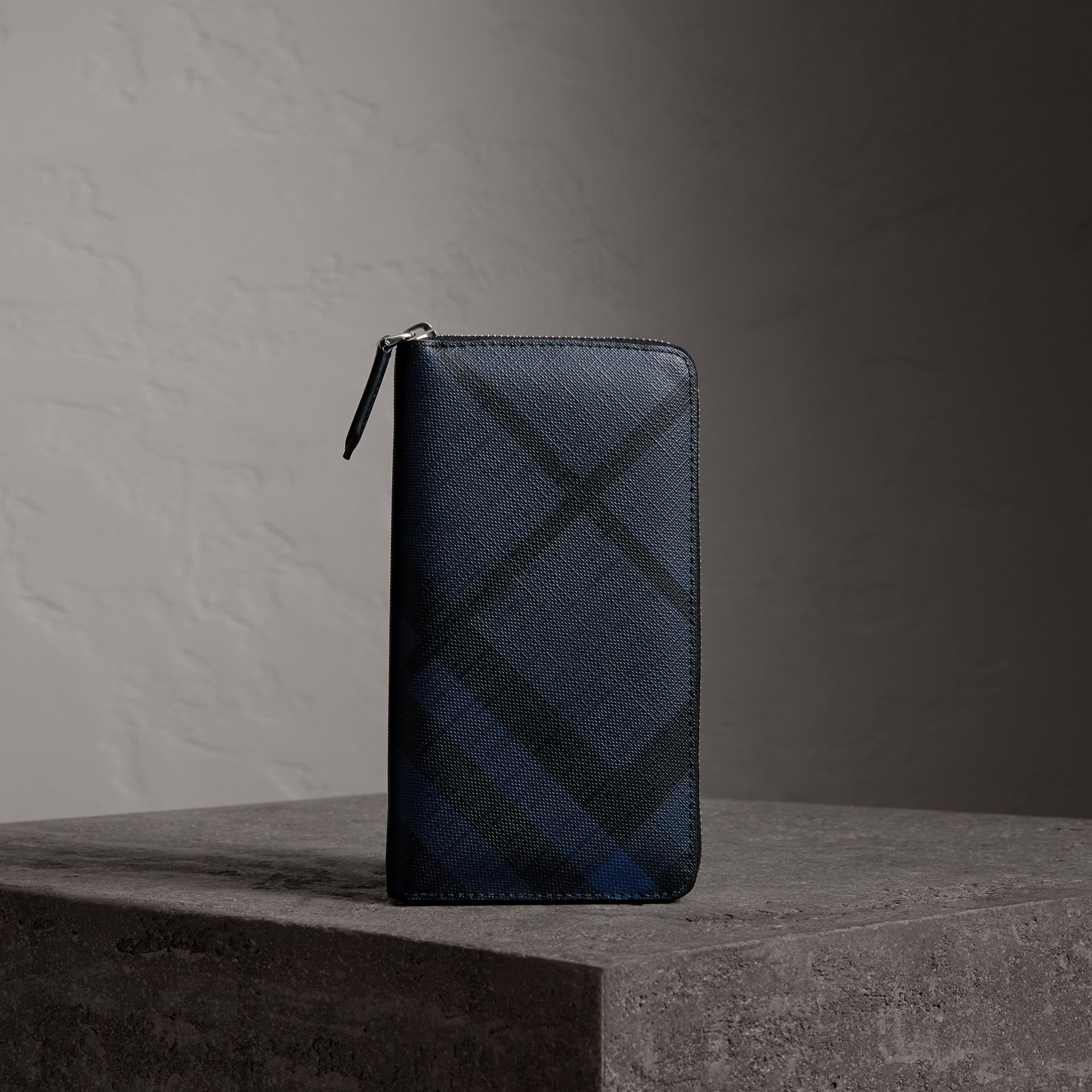 London Check Ziparound Wallet in Navy/black - Men | Burberry - gallery image 0
